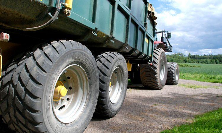 pneus faucher pneus sp cialis s pour l 39 agriculture et r paration de machinerie agricole. Black Bedroom Furniture Sets. Home Design Ideas
